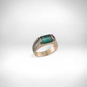 Žiedas su žaliuoju turmalinu - raudonas Au 585, žaliasis turmalinas, juodi deimantai