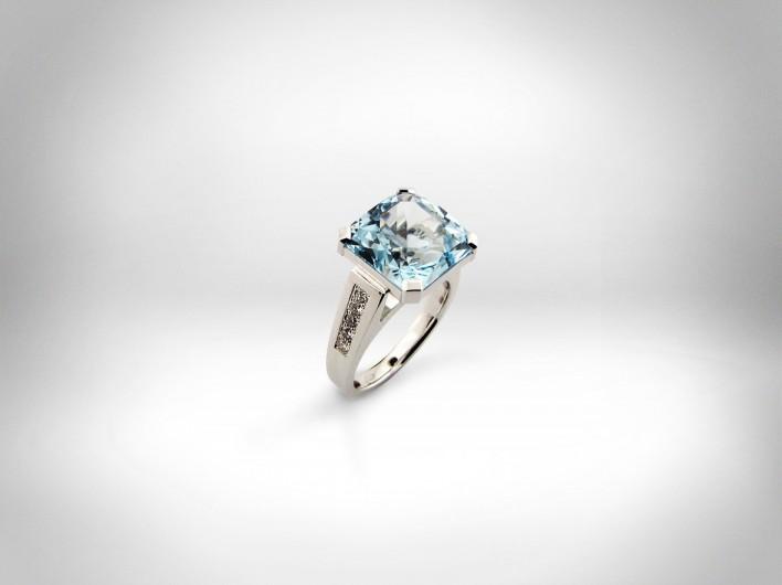 Žiedas - baltas auksas 585, topazas, deimantai