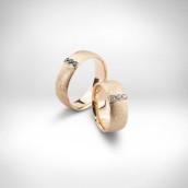 Vestuviniai žiedai Nr. 137 - raudonas auksas 585, juodi deimantai, briliantai
