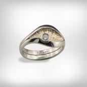 Žiedas - baltas ir raudonas auksas 585, briliantas