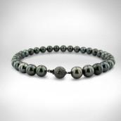 Geliavandenių juodųjų perlų vėrinys, užsegimas - auksas 585, juodieji deimantai