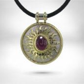 Pakabukas / Amuletas • Auksas 585, rubinas