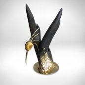 Verslo dovana Nr. 241 - Skulptūra Paukštis 1, juodasis ąžuolas, žalvaris, gintaras